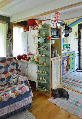 ron-corl-design-storybook-cottage-living3-via-smallhousebliss